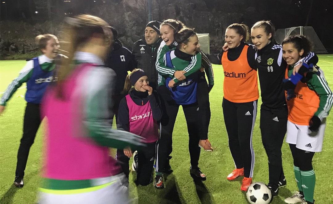 Damlaget är igång - vill du vara med  - Sundbybergs IK Fotboll 5b5bac509e845